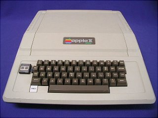 Apple II+ de frente